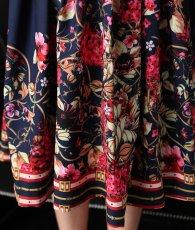画像10: [Rinfarre]ネイビー×ピンクベージュ・花柄・アンティーク調スカーフ柄・リボンタイ・長袖ブラウス・Aライン・ミディアムスカート・セットアップ・ツーピース[MIRIN着用][送料無料] (10)