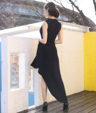 画像3: [韓国製][rinfarre]ブラック・片襟 ・前ボタン・個性的・アシメントリー・ノースリーブ・タイト・ロングドレス[MIRINちゃん着用]《送料&代引き手数料無料》 (3)
