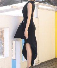 画像7: [韓国製][rinfarre]ブラック・片襟 ・前ボタン・個性的・アシメントリー・ノースリーブ・タイト・ロングドレス[MIRINちゃん着用]《送料&代引き手数料無料》 (7)