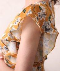 画像10: [ERUKEI]オレンジイエロー・花柄・袖フリル・ウエスト切り替え・Aライン・フレア・ミディアムドレス・ワンピース[山崎みどり着用][送料無料]my (10)