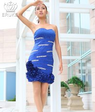 画像1: [SALE品のため返品不可&再入荷なしの現品限り][Glitter]ブルー・胸元レース・フリル裾・ビジュー・ベア・タイト・ミニドレス・ワンピース[青山めぐ着用] (1)