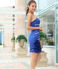 画像2: [SALE品のため返品不可&再入荷なしの現品限り][Glitter]ブルー・胸元レース・フリル裾・ビジュー・ベア・タイト・ミニドレス・ワンピース[青山めぐ着用] (2)