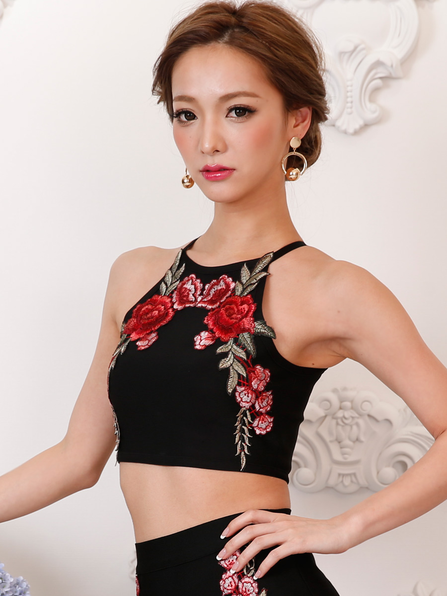 画像4: [Angel R][れお・りさ着用]フラワー・花柄・刺繍・バンテージニット・2色・タイト・ミニスカート・セットアップ・2ピース《送料&代引き手数料無料》