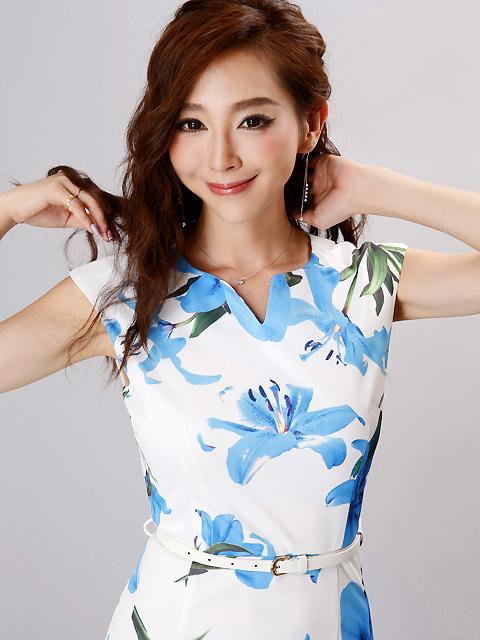 画像4: 【SALE品のため返品不可&再入荷なしの現品限り】[COLORDRESS] [山崎みどり着用][姉ageha]ホワイト×ブルー花柄・Vカット・ベルト付き・フレンチスリーブ・ミディアム・タイトドレス・ワンピース