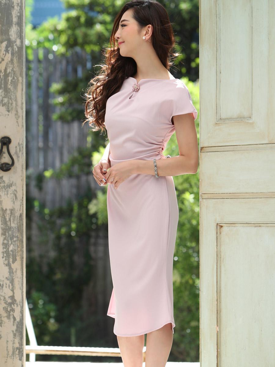 画像2: [COLORDRESS] [山崎みどり着用][姉ageha]ベビーピンク・ブローチ付き・マーメイドライン・半袖・タイト・シンプル・ミディアムドレス・ワンピース